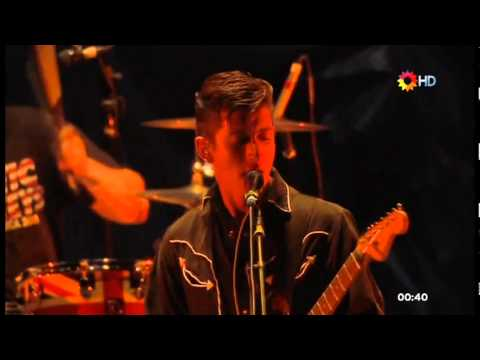Arctic Monkeys - I Bet You Look Good On The Dancefloor & Teddy Picker (Quilmes Rock Festival 2012)