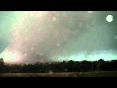 Raw: Large Tornado Strikes Tupelo, Miss.