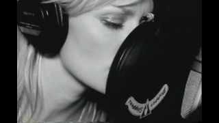 Watch Shelby Lynne Wall In Your Heart video