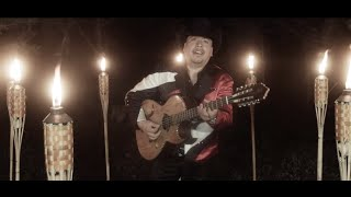 UN AMOR ESCONDIDO LA MAQUINARIA NORTEÑA VIDEO OFICIAL AZTECA RECORDS