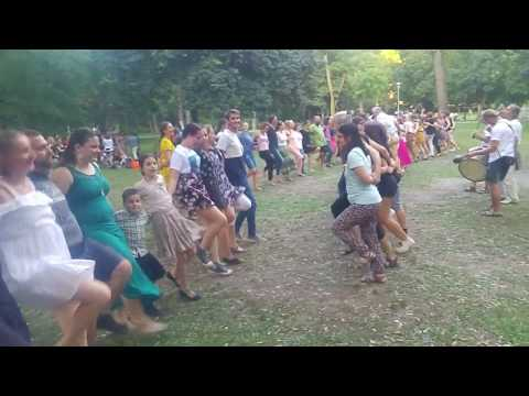 Sültü Zenekar / The Sültü Band: Gyűljünk a rétre! Szabadtéri moldvai táncház - Tiszti szerba tánc