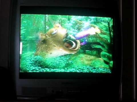 Finding nemo dirty fish tank scene for Dirty fish tank