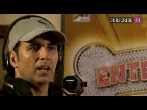 Akshay Kumar sings and records song live for Entertainment part...