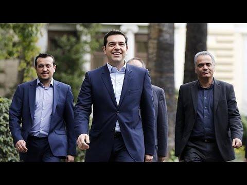 مجموعة اليورو متفائلة ببقاء اليونان في منطقة اليورو