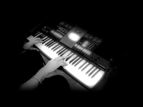 teri galliyan-Ek Villain-on keyboard/piano