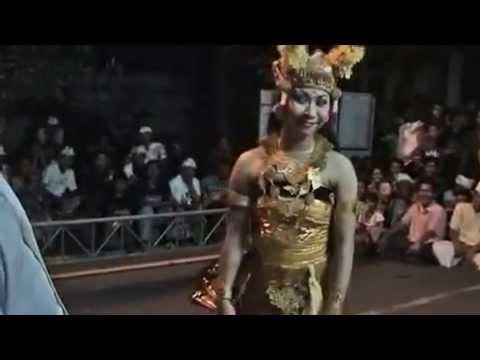 022 Joged nakal (naughty Dance)