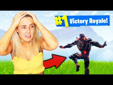 GETTING MY SISTER A WIN in Fortnite Battle Royale