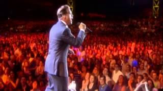 Watch Luis Miguel Un Hombre Busca A Una Mujer video