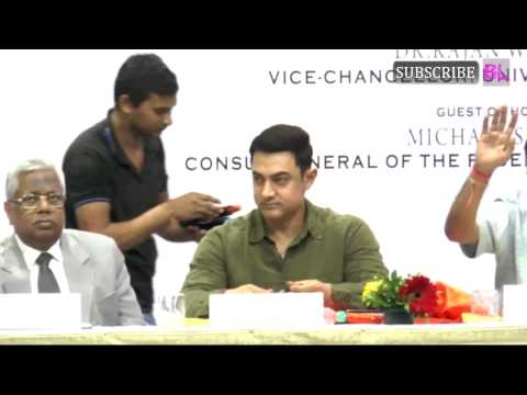 Aamir Khan launches book My Marathi Part 3
