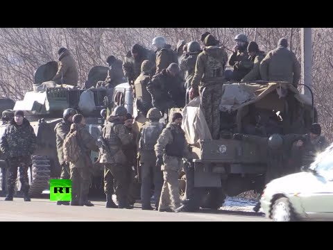 RAW: Kiev troops withdrawing from Debaltsevo, E.Ukraine