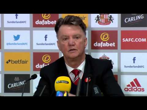 Louis van Gaal disappointed by Man United defeat at Sunderland