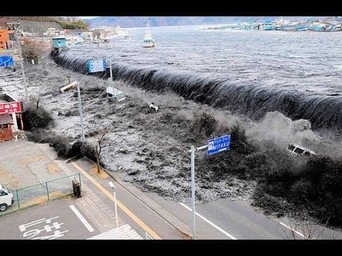 Tsunami Japan 2011 - B...