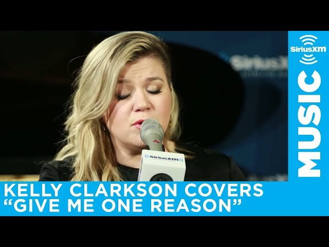 """Kelly Clarkson """"Give Me One Reason"""" Tracy Chapman Cover Live @ SiriusXM"""