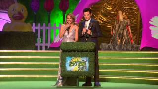 Download Lagu Florence and the Machine wins Critics' Choice Award presented by Kylie Minogue | BRIT Awards 2009 Gratis STAFABAND