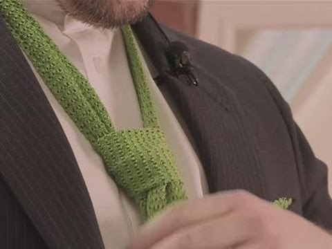 Tying a double Windsor knot: a guide
