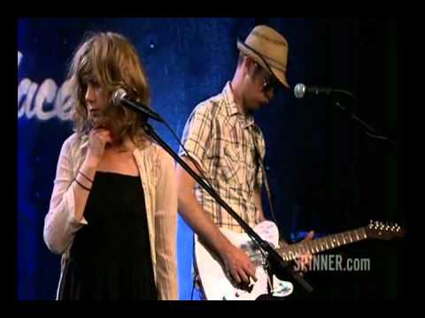 Broken Social Scene - Looks Just Like The Sun
