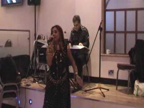 Musical Melodies * Uma & Sailesh * Gali Me Aaj Chaand Nikla