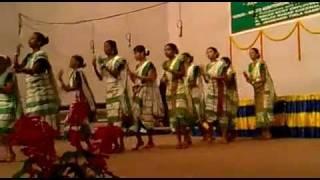 Mali_Baha_Monesantali_dance_on_stage[1].mp4