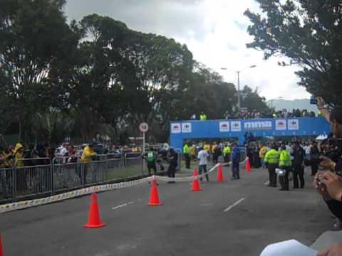 Llegada a la meta Geoffrey Mutai Media Maratón de Bogotá