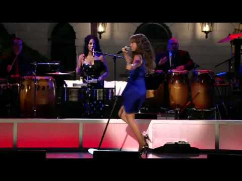 [hd] Thalia | Amor A La Mexicana [fiesta Latina At The White House] video