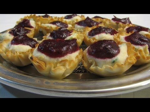 Cranberry Crabmeat Appetizers -- Lynn's Recipes