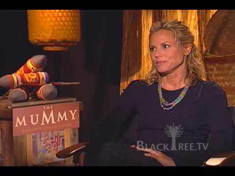 "The Mummy : Maria Bello, ""Obama gives me chills..."""