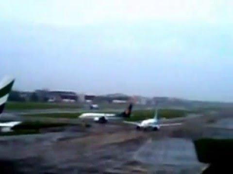 Indigo Airlines Airbus A320 takeoff