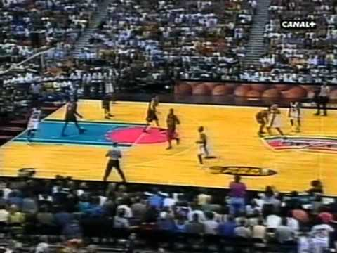 Tim Duncan 1999 Finals: 33pts, Gm 1 vs. NY Knicks