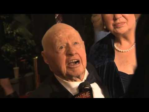 Mickey Rooney, wife Jan attend 2010 Vanity Fair Oscars after party Video