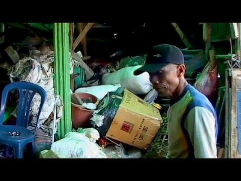 أندونيسيا: مقايضة النفايات بالعلاجات الطبية
