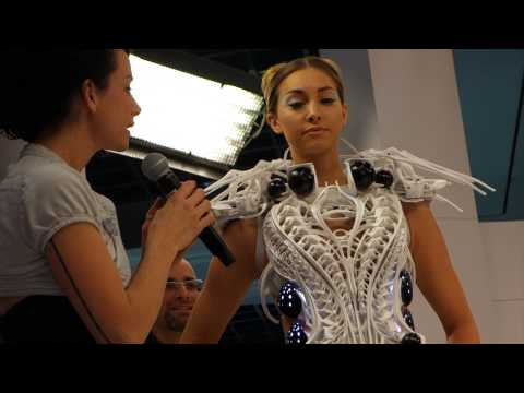 Intel 3D Printed Robot Spider Dress – CES 2015