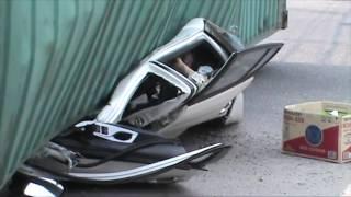 (VTC14)_Nam Định: Xe container đè bẹp ô tô 4 chỗ làm 2 người tử vong