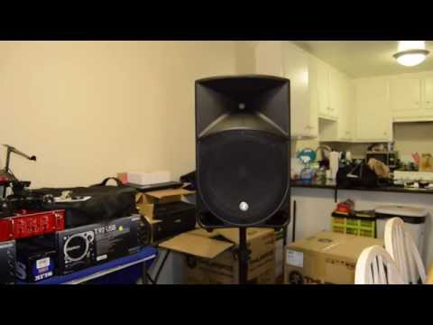 Mackie Thump15 (New 1000Watt) Unboxing and Quick Look