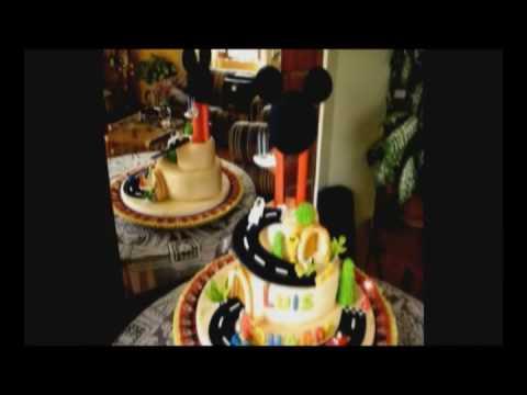 Mickey Mouse fondant cake - www.tortasvicky.com