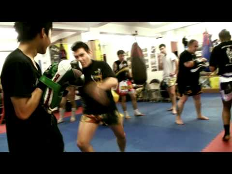 Master A School of Thaiboxing Techniques Image 1