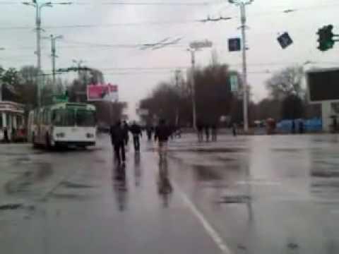 Protest in Kyrgyzstan 7 April 2010, gun fires