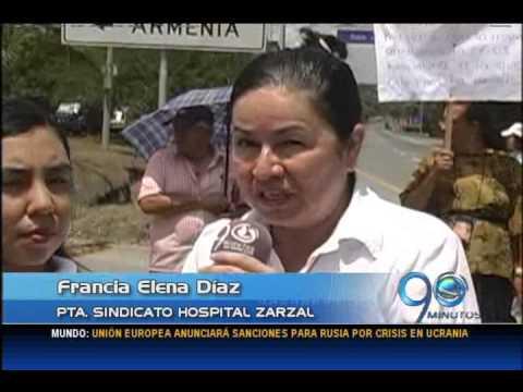 Julio 23 de 2014. Protesta de trabajadores del Hospital de Zarzal bloquea la doble calzada