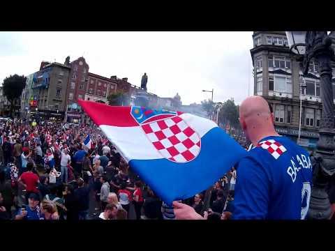 Croatia vs France - Russia world cup 2018 - finals Dublin  O'Connell bridge celebration!!! thumbnail