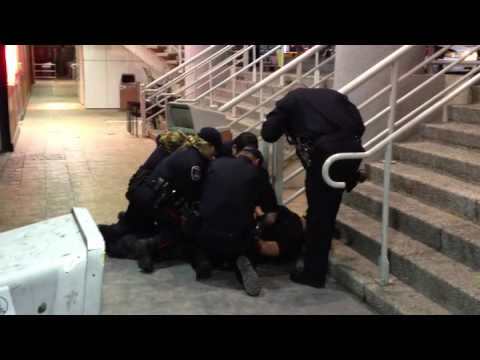 Windsor police Taser man downtown (Full Version)