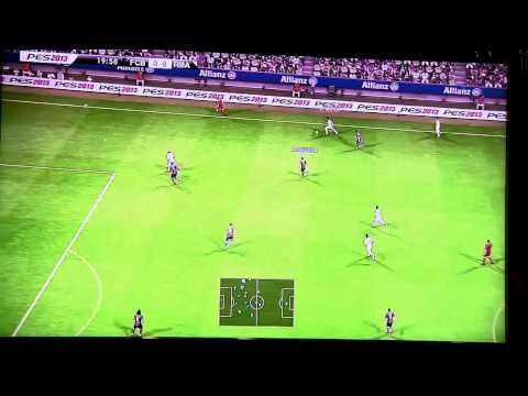 PES 2013 FC Barcelona vs Real Madrid Gameplay - Gamescom 2012
