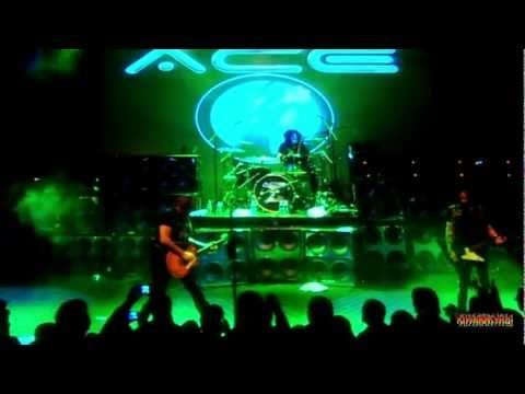 ACE FREHLEY - Cold Gin with Black Diamond outro [ Halloween Foxboro 2011 ]