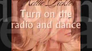 Watch Kellie Pickler Turn On The Radio And Dance video