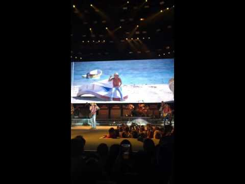 """Kenny Chesney """"Beer in Mexico"""" Albuquerque, New Mexico May 5, 2016"""