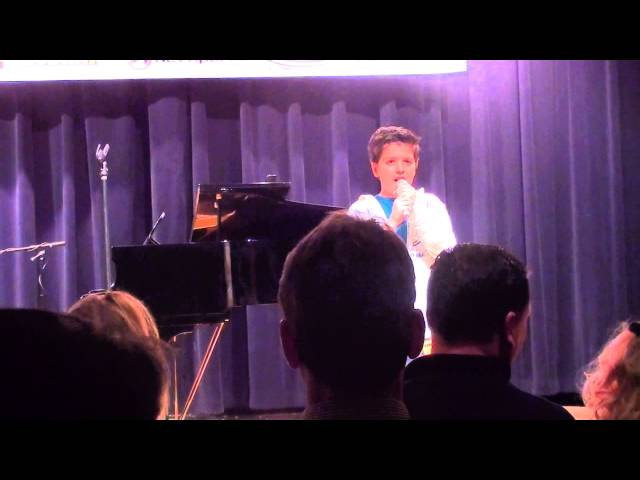 Shane Treloar sings Girl on Fire (Alica Keys Cover) for Kean Quest Preliminaries 2013
