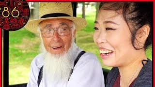 Chinese Girl Visits Amish Country - She Was Shocked!