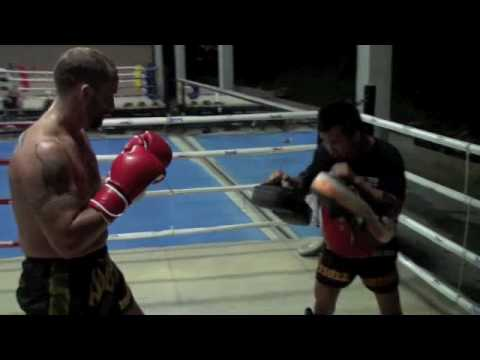 Former UFC Middleweight Champion Dave Menne trains with 3x Lumpinee Champion at Tiger Muay Thai Video