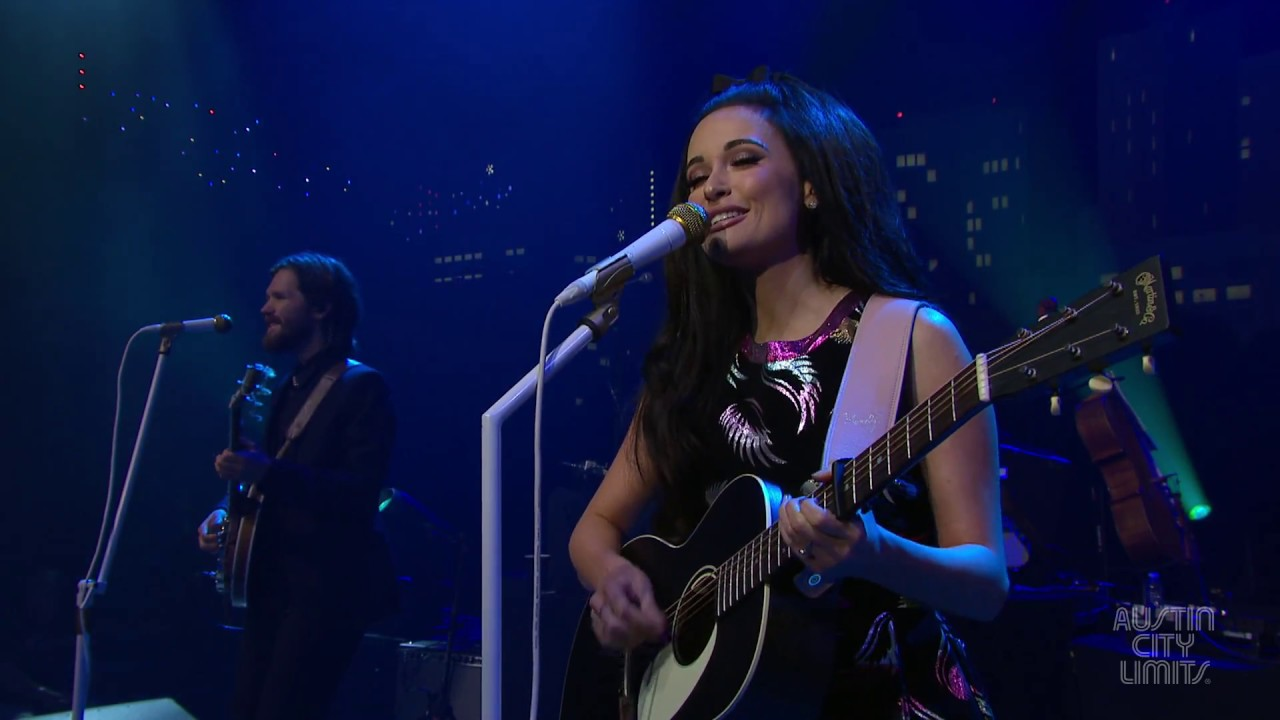 """Kacey Musgraves - 「Austin City Limits」から""""Butterflies""""など4曲とBehind the Scenes、インタビュー映像を公開 thm Music info Clip"""
