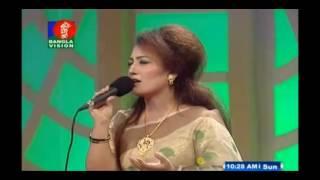 বাংলা রোমান্টিক গানের কর্তা বলা হয় যে গান কে...Agun lagaiya dilo kone by Nishita boruya  2017