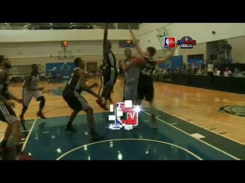 Michael Carter-Williams scores 26 points in his first Summer League Game