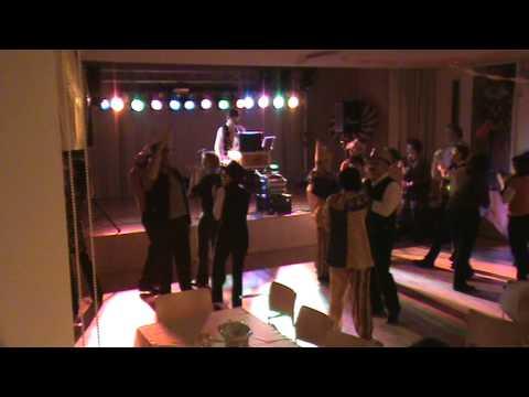 Beispiel: Hochzeitsmusik-Tanzmusik, Video: Johnny B Music.